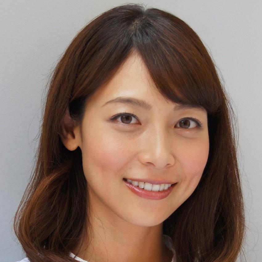 人事部の先輩役、相武紗季さん